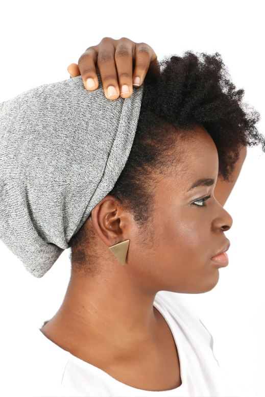 Bonnet-revetement-satin-gris-3-EmbraceTheNaturalYou