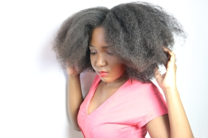 afro-misscamaelle-cheveux-crépus-longs